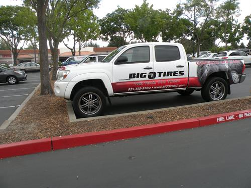 Big O Tire Truck graphics