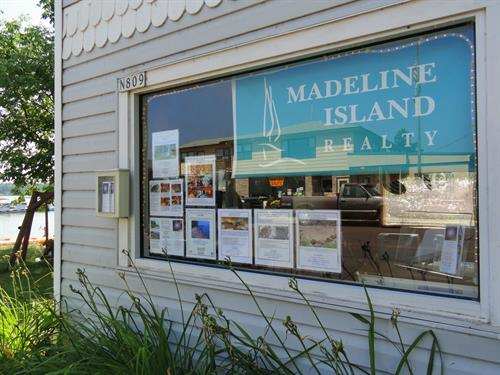 Madeline Island Realty Office - 809 Main Street, LaPointe, Wisconsin 54850