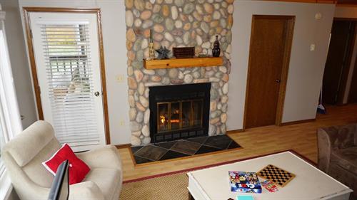 Gallery Image Wood_Fireplace.JPG