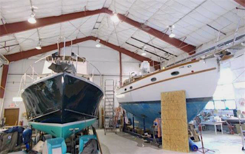 Gallery Image boats_in_for_service_large.png