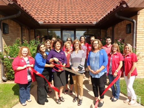 Gallery Image Mineral_Wells_Ribbon_cutting_2017.jpg
