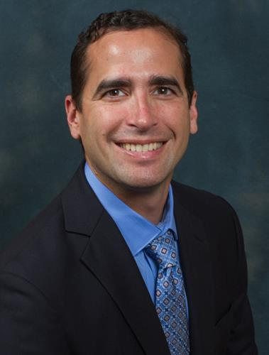 Dr. Alexander Espinoza is board certified in Family and Sports Medicine. He also speaks fluent Spanish.