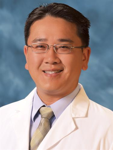 Dr. Cheng Lee is a board certified Family Medicine physician in Graybill's San Marcos Office. He also speaks fluent Mandarin.