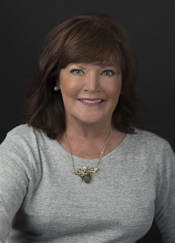 Kathy Dottore, Agent