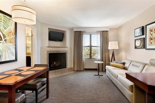 1-Bedroom Suite with Fireplace