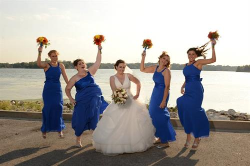 Parkway Banquets - Happy bridal party!