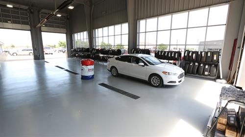 Gallery Image Rockwall_Ford_AutoService17.jpg