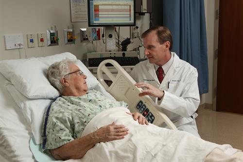 Gallery Image Hospital_bedside_Haeg_0056.JPG