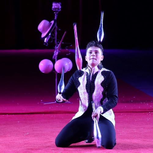 High energy, juggling sensation Noel Aguilar.