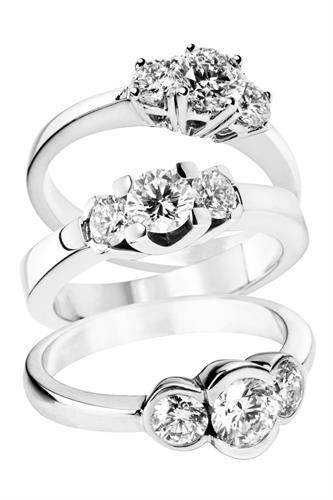 Gallery Image diamond_rings.jpg