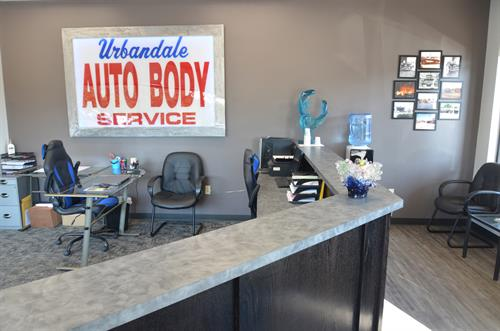 Gallery Image Urbandale_Auto_Body_Service_12.JPG