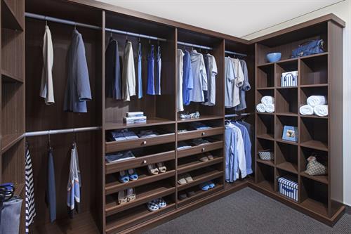 Gallery Image ClosetWI_3_AL_Brio_CBD.jpg