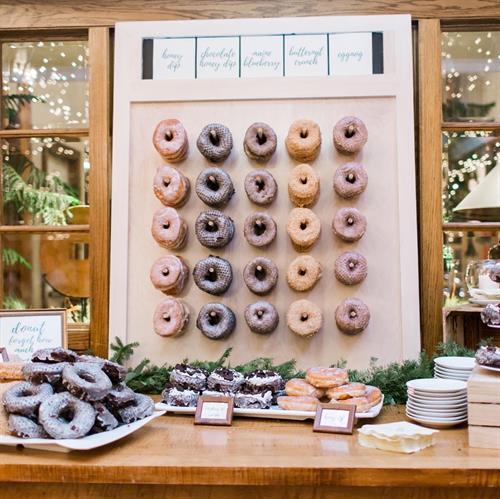 Gallery Image donut_walllll.jpg
