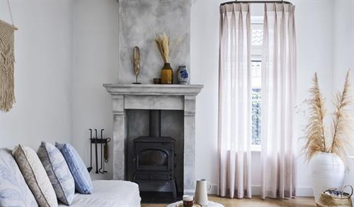 Gallery Image drapes-living-room-vadain.jpg