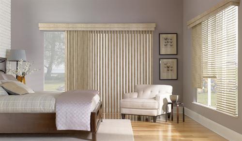 Gallery Image natural-color-vinyl-blinds.jpg