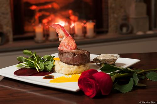 From Filet Mignon to NY Sirloin and Pork Porterhouse, the Seaglass menu features 100% prime meats.