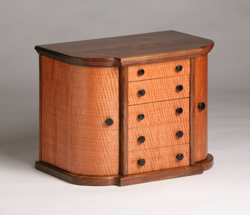 Gallery Image Pear_and_walnut_jewelry_chest.jpg