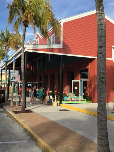 The fish house waterfront seafood outdoor dining for Fish house fort myers beach