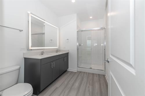 Gallery Image Bathroom.jpeg