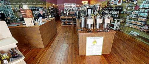 An abundant variety of Ultra Premium Olive Oils and Balsamic Vinegar