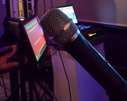 Gallery Image Karaoke_Mic_Shot_-_Copy_(2).jpg