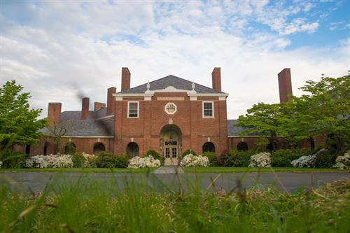 Gallery Image New_Haven_Lawn_Club_Entrance.jpg