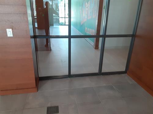 Window glazing service