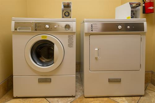 Gallery Image AMERICINN_MADISON_WEST_GUEST_LAUNDRY.jpg