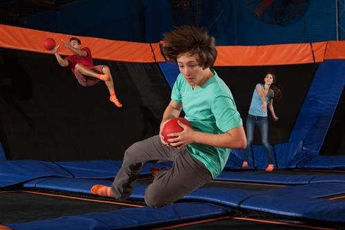 Gallery Image sz_dodgeball_male1.jpg