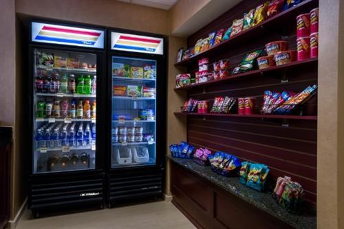Gallery Image MID_RI_Market_jpg.jpg