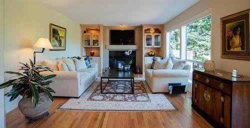 Staging & Photography - Living Room @ Hidden Ridge (Owner's Decor)