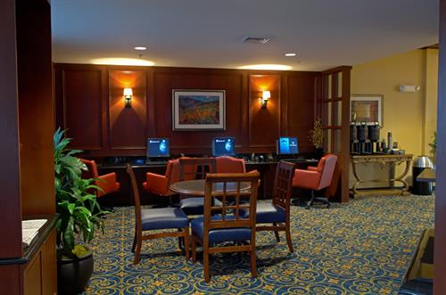 Courtyard by Marriott breakfast area