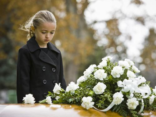 Gallery Image zzzzzz9girl_at_funeral.jpg