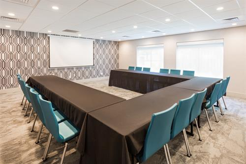 U-Shape Meeting Room