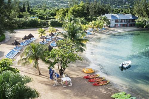 Gallery Image jewel-paradise-cove-beach-resort-beach-kayaks-1504-1003-2a5831b009fc3c5aa7bb1c7b367d77b91561650318.jpg