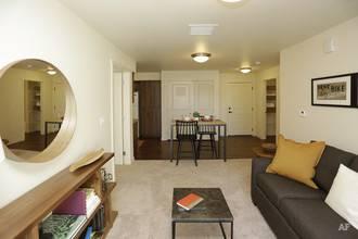 2 Bedroom Livingroom