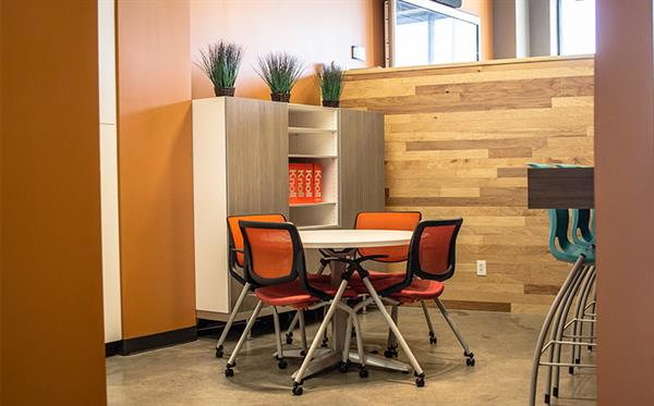 ... Kitchen Area Knoll Chairs ...