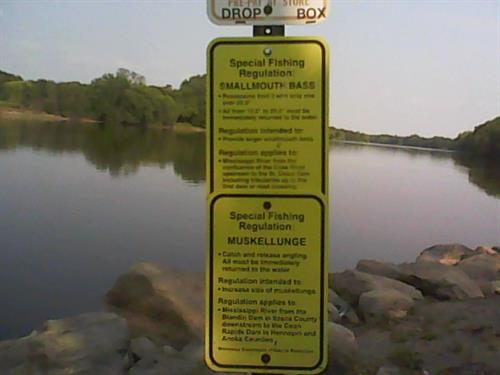 Special smallmouth bass regulations here.  Fall and winter 'catch and release' only.  Fee to park and fish.  River open all winter with 40 to 50 F temps.