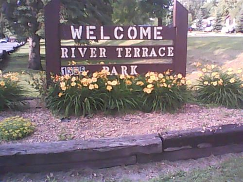 Welcome sign on main road into park.