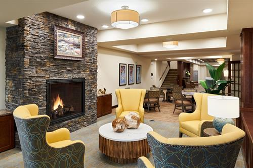Willows Landing Lobby Lounge