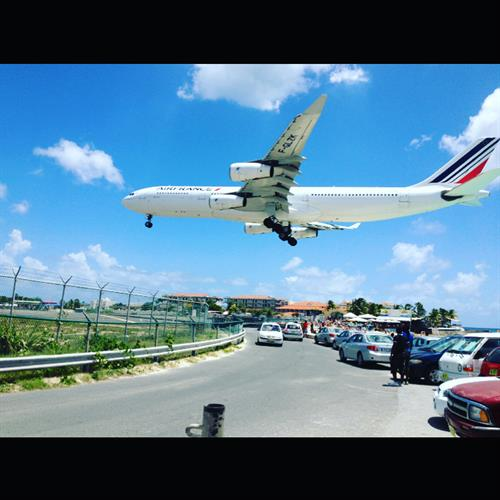 Flying into St. Maartin airport