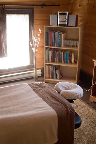 Gallery Image EMC_Room.jpg