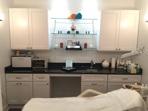 Skincare Spa - Facials using SkinCeuticals, waxing & threading services
