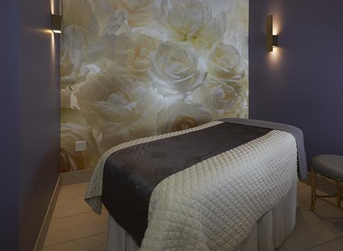 Relaxing Spa Treatment room for Skin, Waxing & Massage