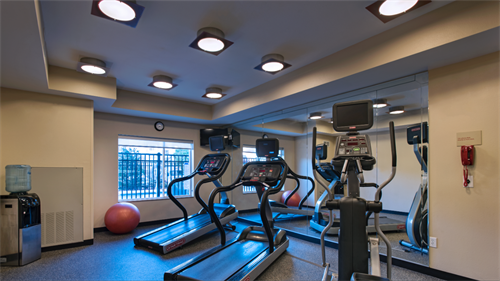 Fitness center to stay fit while you travel