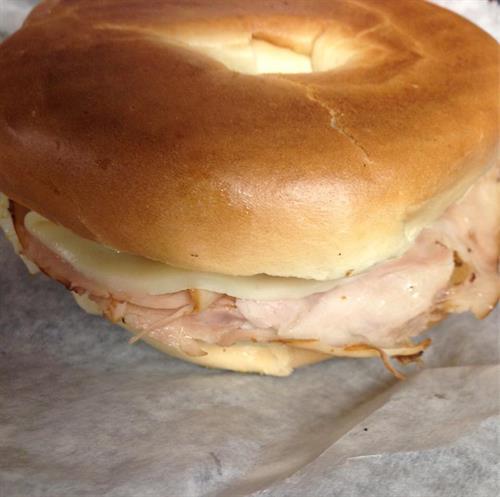GLCZ Bagel Breakfast Sandwich