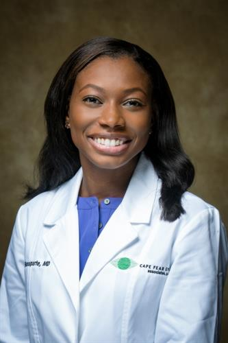 Pediatric Ophthalmologist Dr. Leah Bonaparte