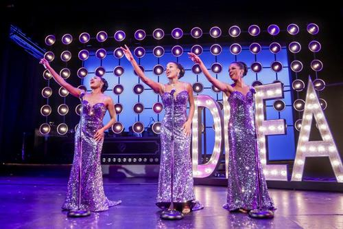 2017 production of DREAMGIRLS