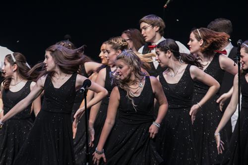 Mainstage's Harmony Show Choir in Motion!