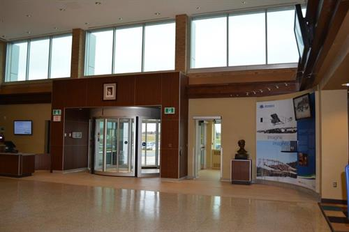 Main lobby at the Sydney Airport.